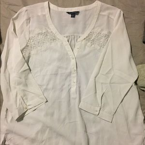 White 3/4 sleeve top from AE NWOT